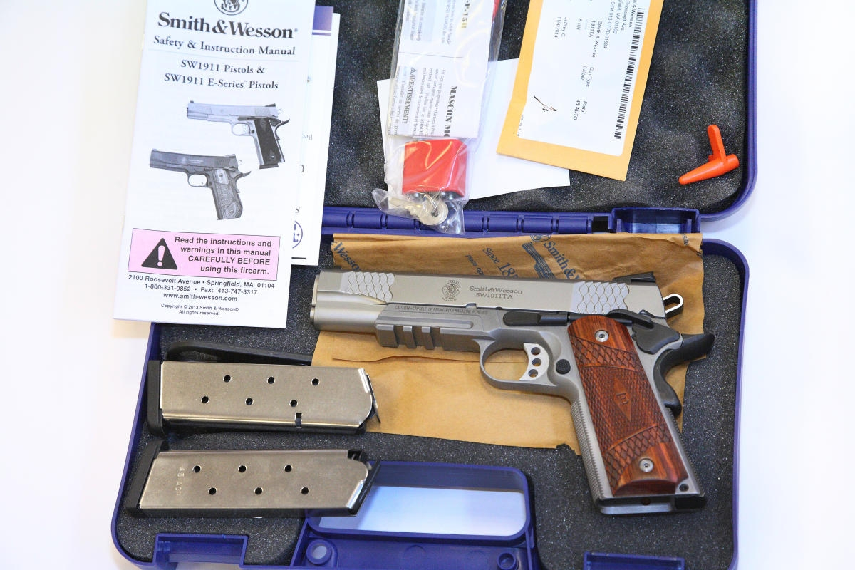 Smith Wesson - SW 1911 TA E-Series Tactical Accessory Rail