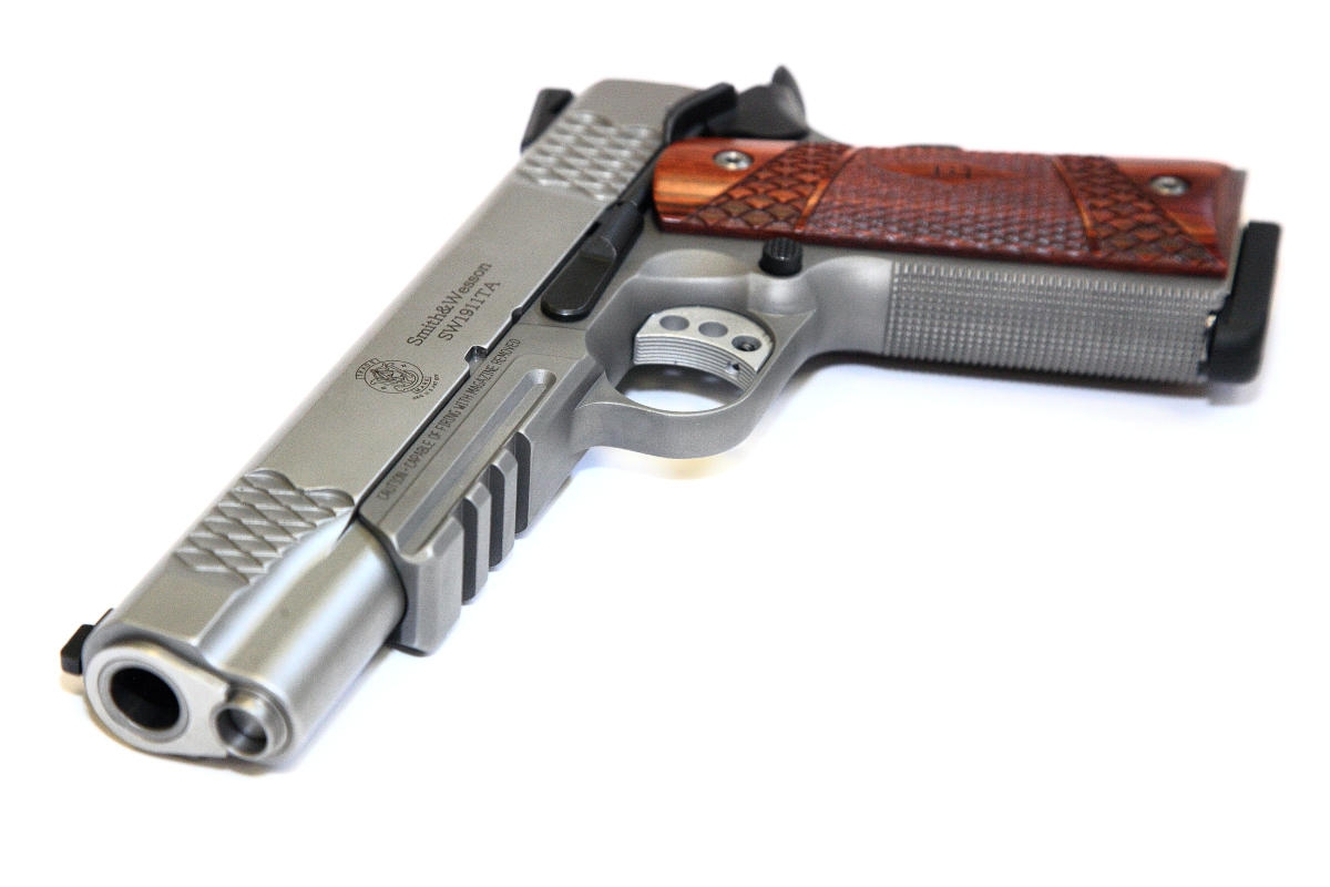 Smith Wesson - SW 1911 TA E-Series Tactical Accessory Rail