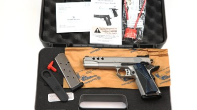 img_6947performance-center-model-sw1911