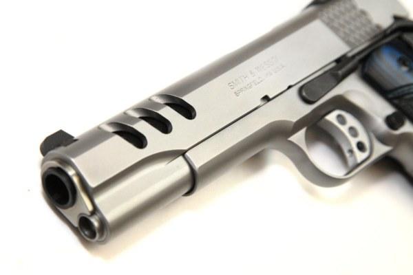 img_6954performance-center-model-sw1911