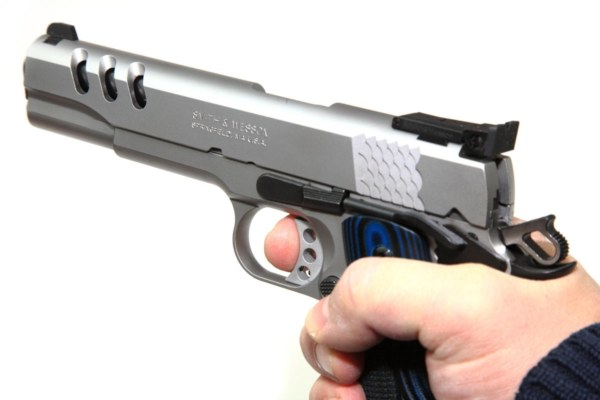 img_6967performance-center-model-sw1911