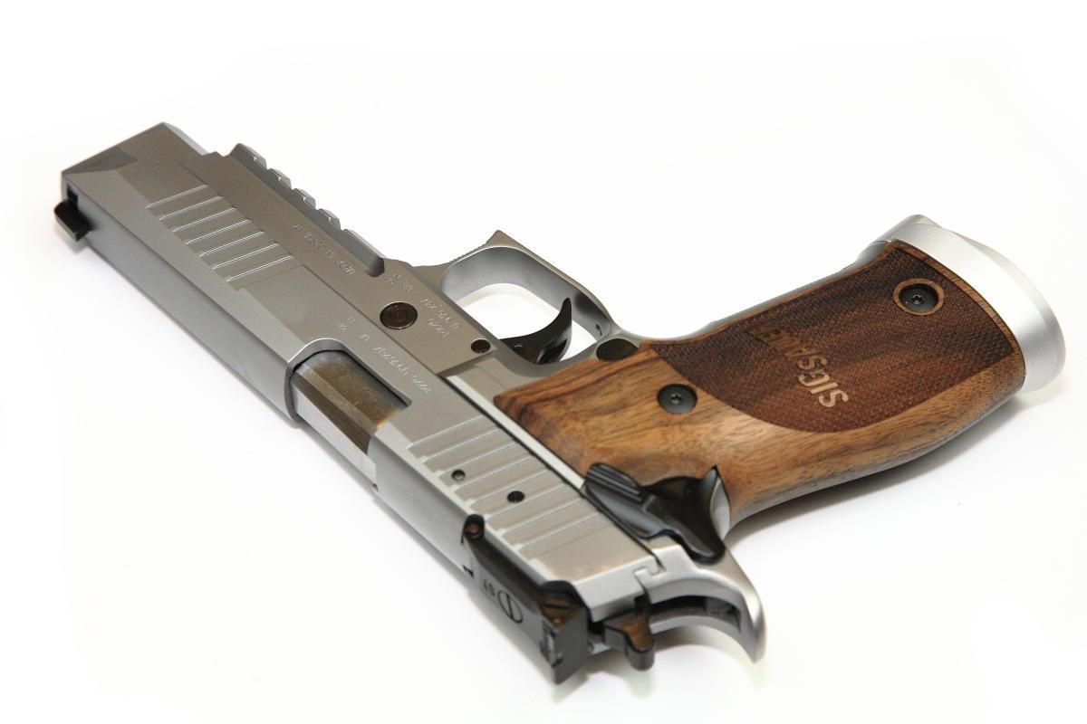 Sig Sauer P226 X-Five Classic
