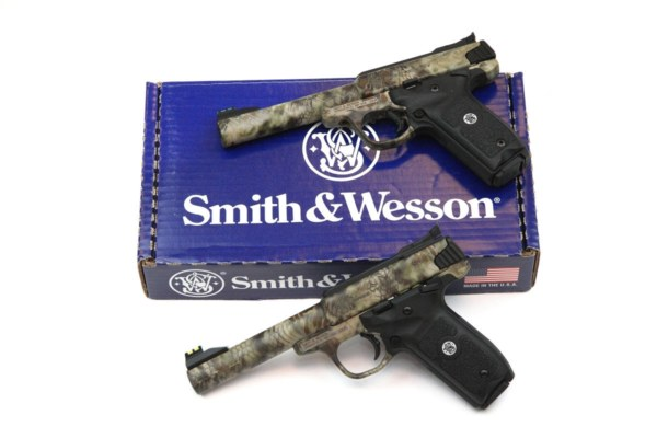 Smith Wesson SW22 VICTORY Kryptek