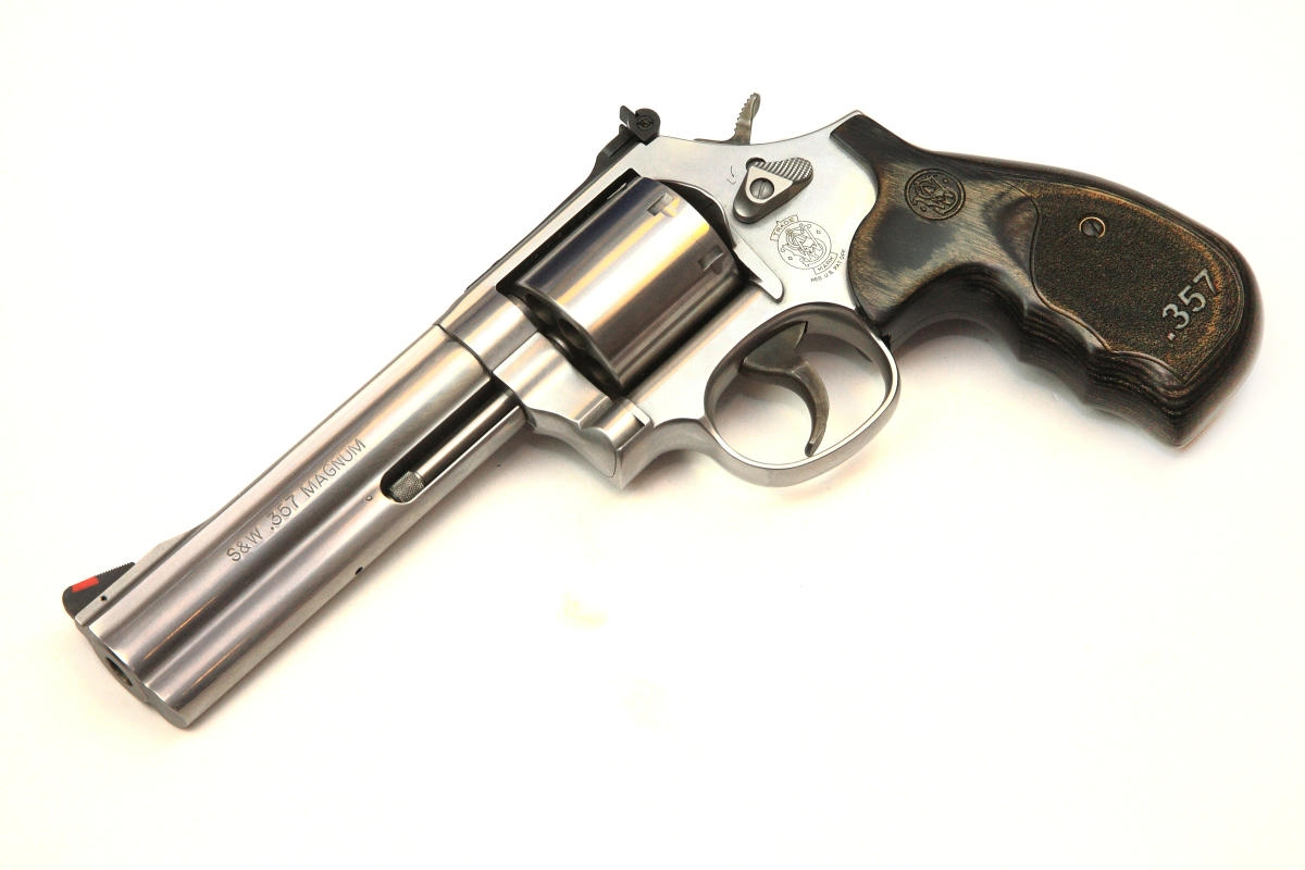Smith Wesson - Model 686 Plus 5Zoll Magnum Series
