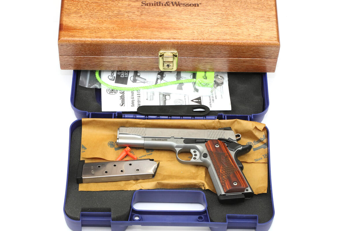Smith Wesson 1911 Engraved 45ACP